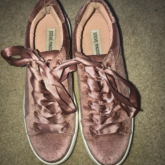 Steve Madden Shoes - Pink velvet Steve madden shoes